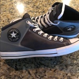 Size 10 men's converse all star mid rise sneakers